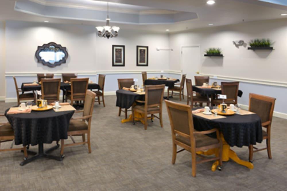 The dining room at Peters Creek Retirement & Assisted Living in Redmond, Washington