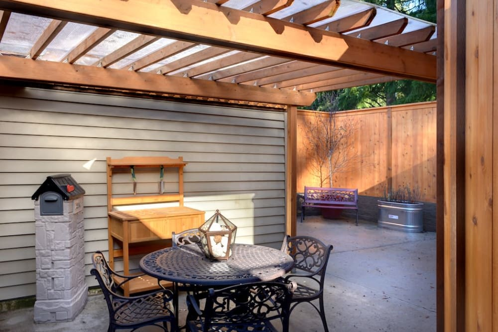 An outdoor patio area at Peters Creek Retirement & Assisted Living in Redmond, Washington