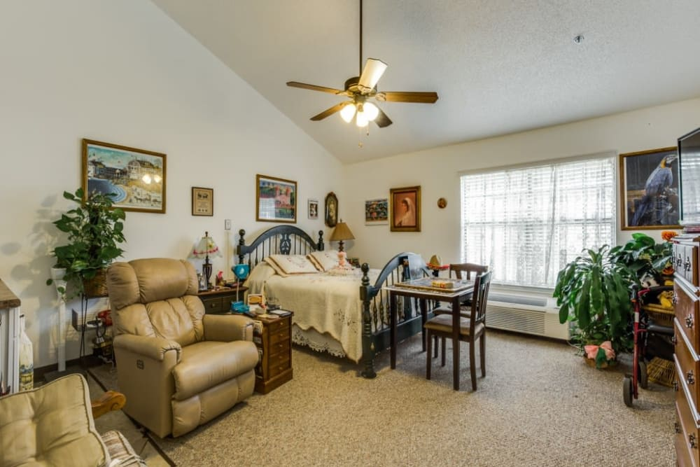 Living room layout at Parsons House La Porte in La Porte, Texas
