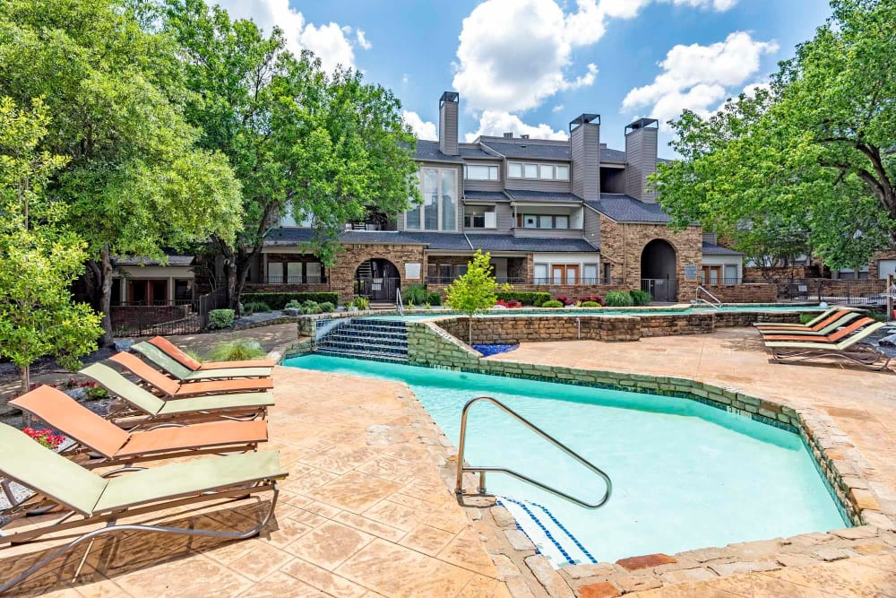 Watermarke Apartments offers a Swimming Pool in Fort Worth, Texas