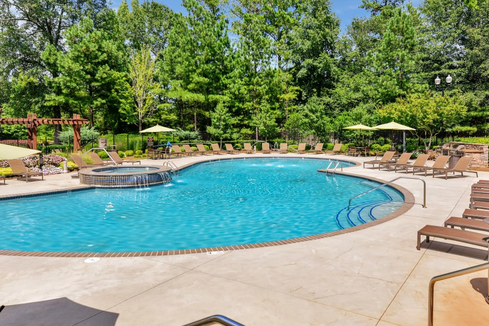 Lullwater at Bass offers a resort-style swimming pool in Macon, Georgia