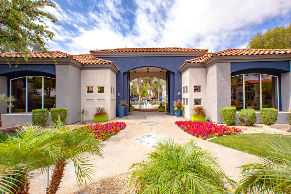 Entryway at The Retreat Apartments in Phoenix, Arizona