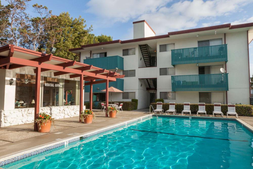 Resort-style swimming pool at Del Coronado Apartments in Alameda, California