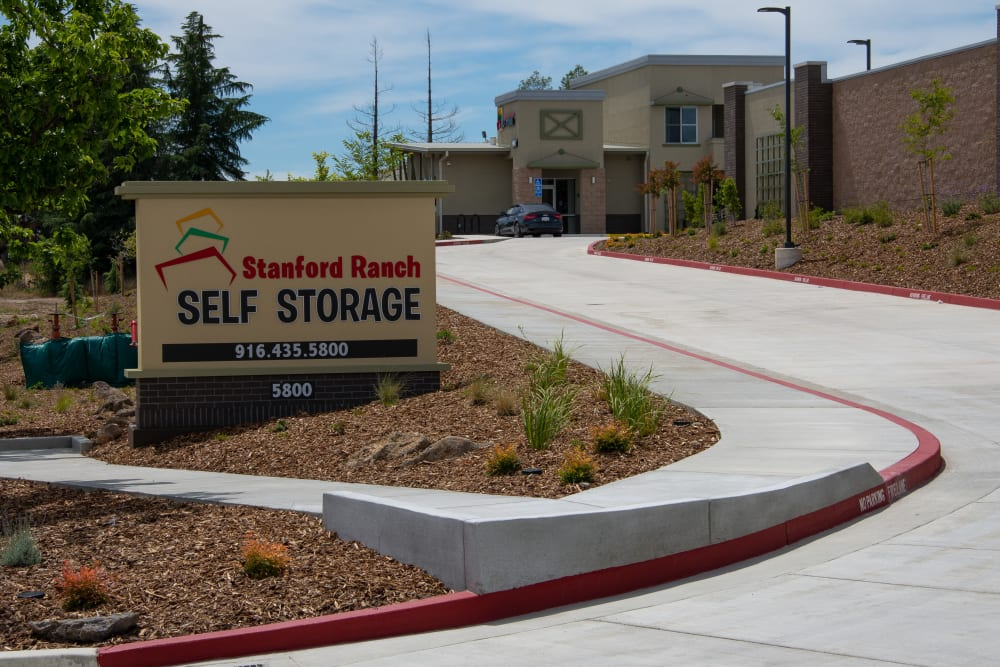 Driveway and sign at Stanford Ranch Self Storage in Rocklin, CA