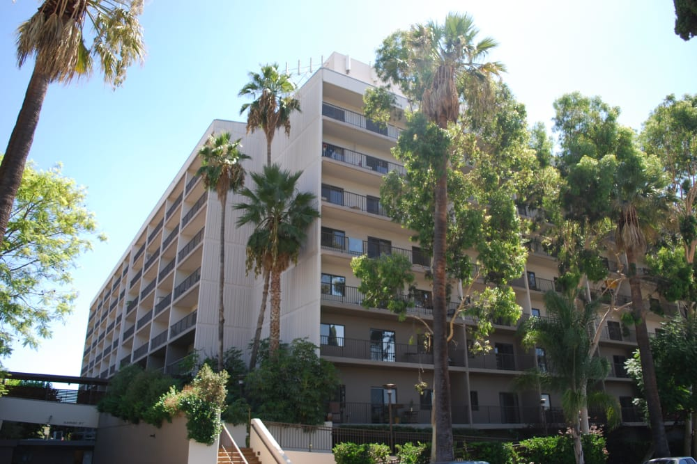 Exterior of Pasadena Highlands in Pasadena, California