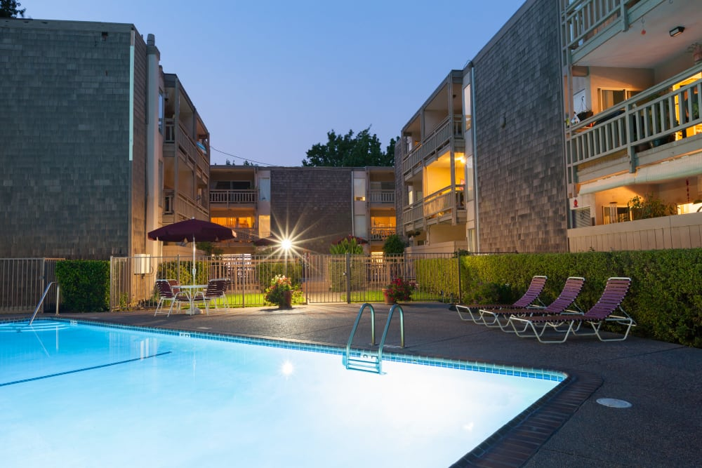 One of three swimming pools offered by The Glens Apartments in San Jose, California