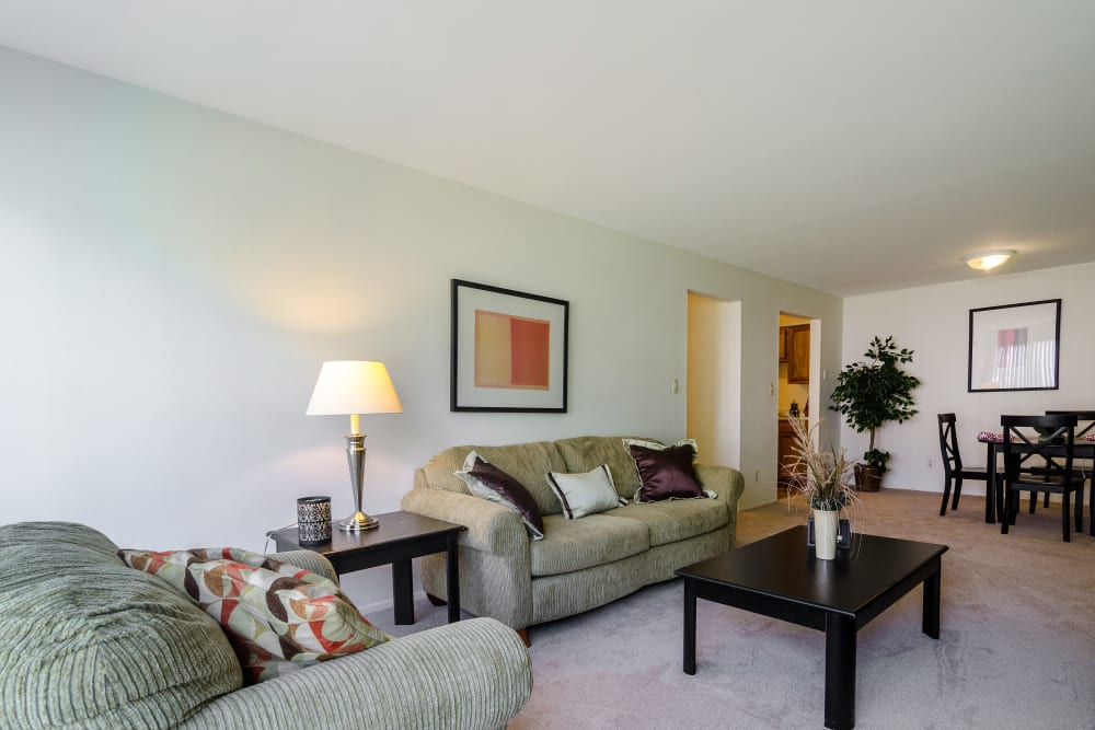 Living room layout at Edgewood Park Apartments in Pontiac, Michigan