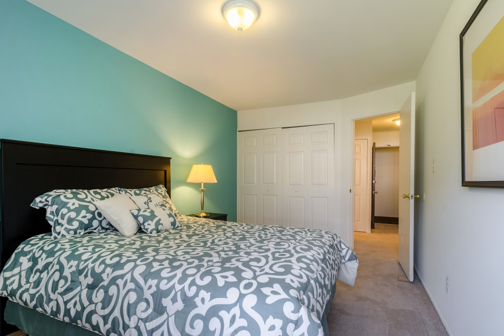 Bedroom layout at Edgewood Park Apartments in Pontiac, Michigan