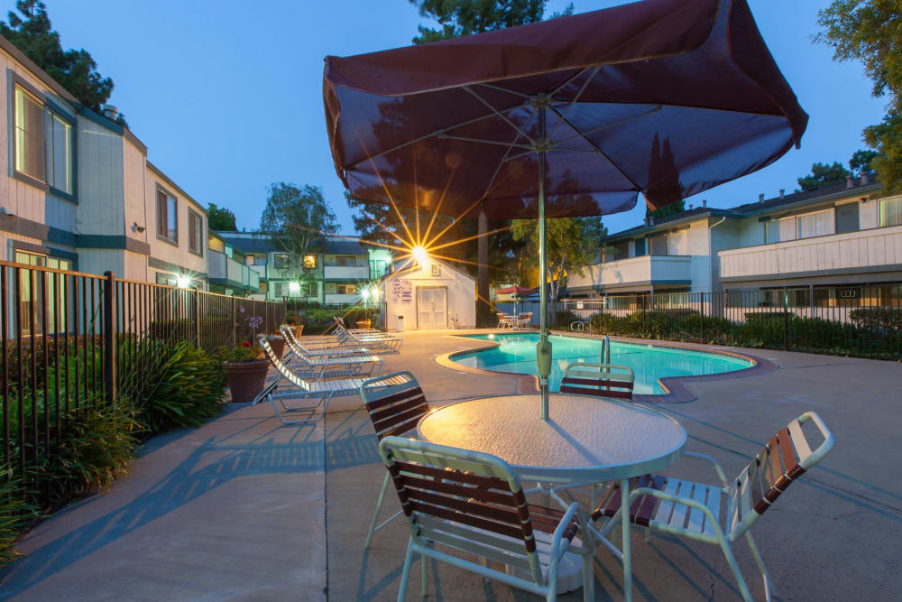 Sparkling swimming pool at Oak Pointe Apartments in Fremont, California