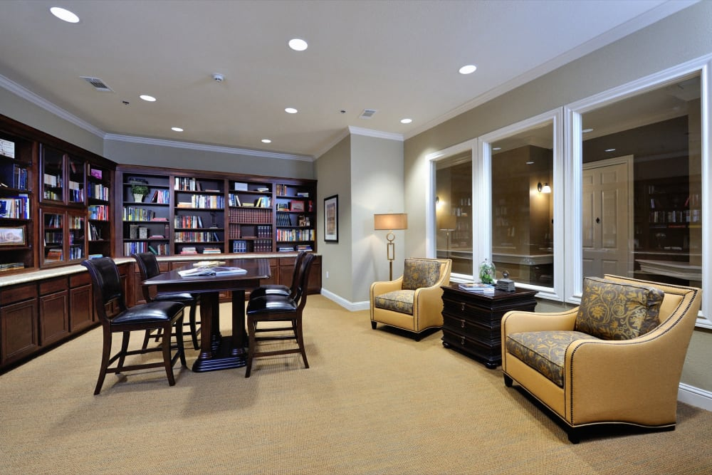 A quiet reading room at Clayton Oaks Living in Richmond, Texas