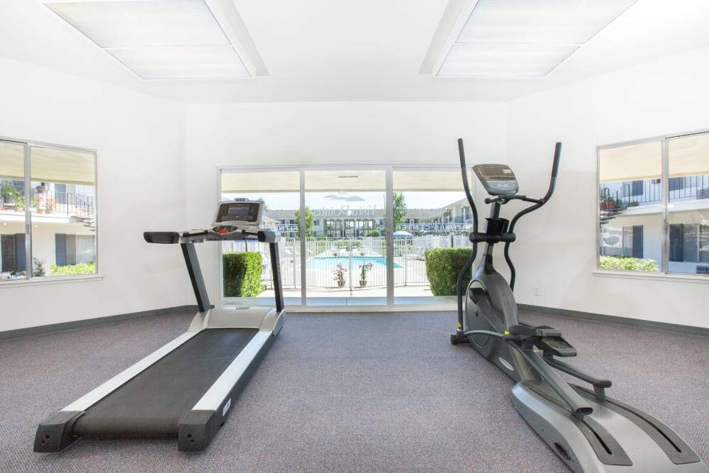 Fitness center at Vista Pointe Apartments in Santa Clara, California