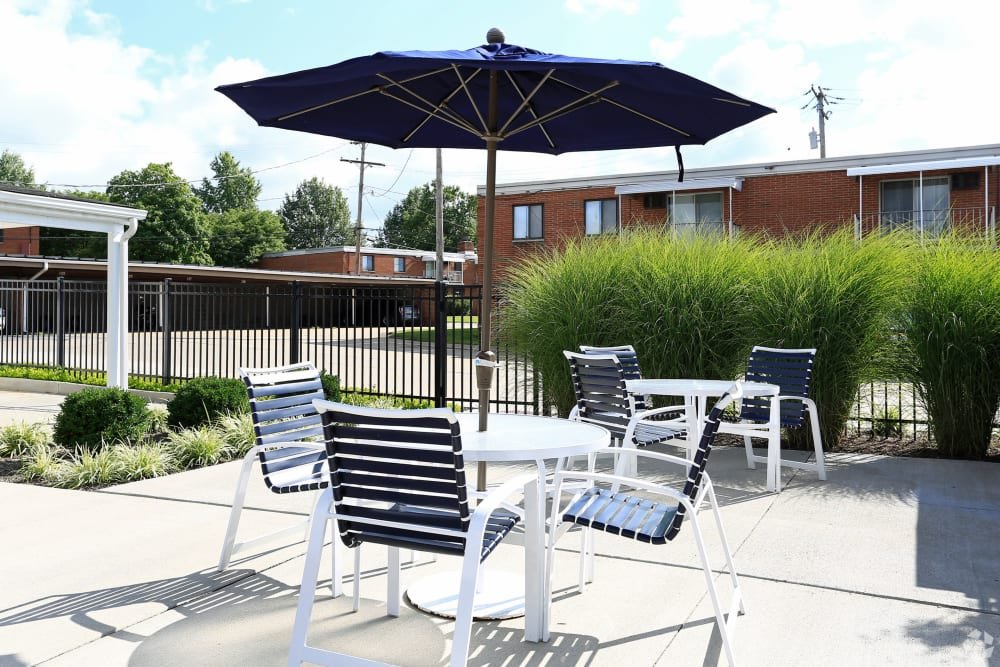 Outdoor seating available at Colony Club in Bedford, Ohio.