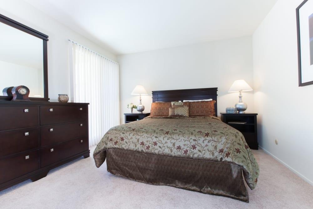 Master bedroom at Diablo Pointe in Walnut Creek California