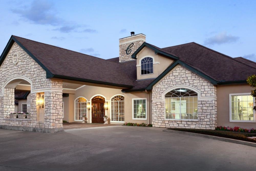 main building at Carriage Inn Huntsville in Huntsville, Texas