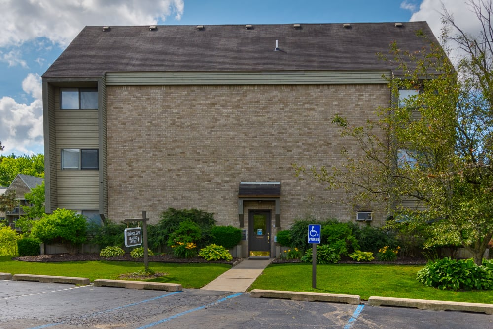 Handicap access to Kellogg Cove Apartments in Kentwood, Michigan