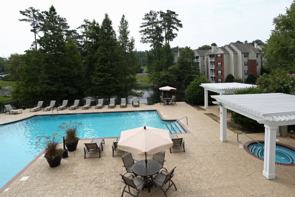 Swimming pool and hot tub at Broad River Trace in Columbia, South Carolina.
