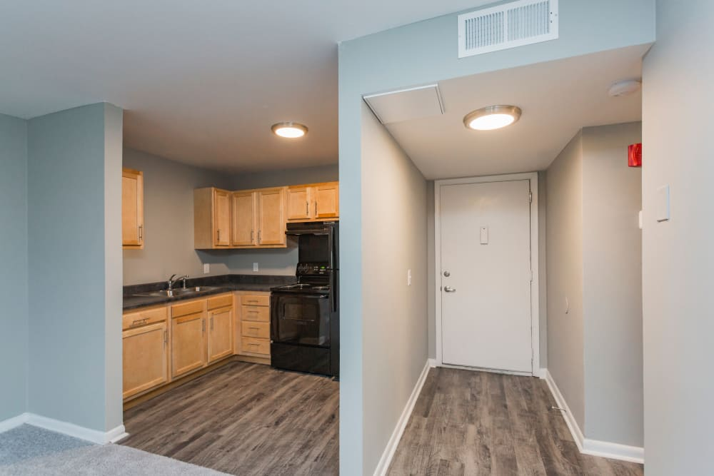 Entryway and kitchen at Gibson Creek Apartments in Madison, Tennessee