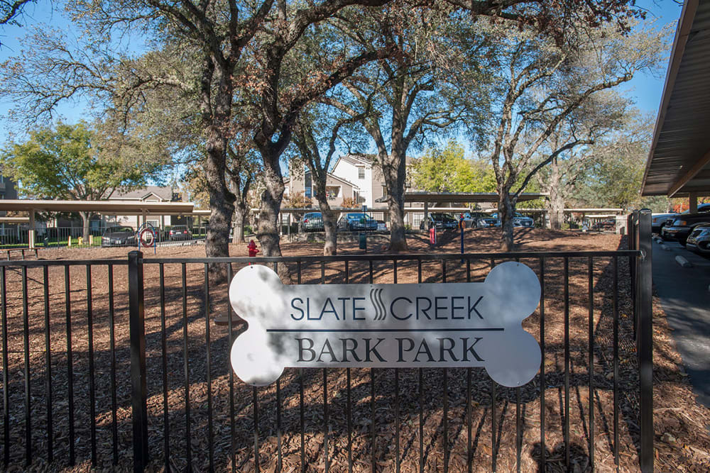 Onsite dog park at Slate Creek Apartments in Roseville, California