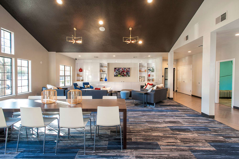 Resident clubhouse with plenty of places to visit with your neighbors at Slate Creek Apartments in Roseville, California