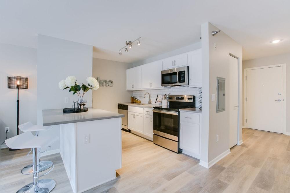 Beautiful Kitchen at Apartments in Minneapolis, Minnesota