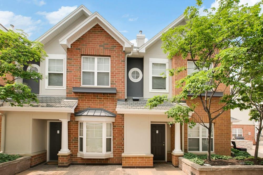 Enjoy Apartments within a beautiful neighborhood at Loring Park Apartments