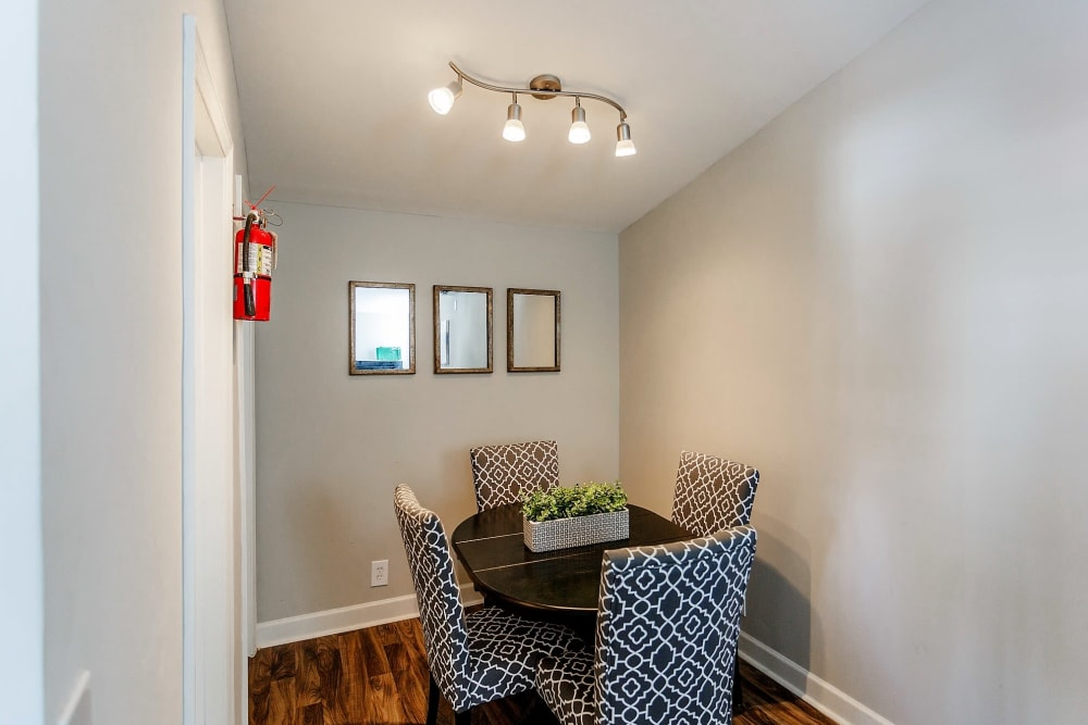 Dining room at Maple Creek Apartments in Nashville, Tennessee
