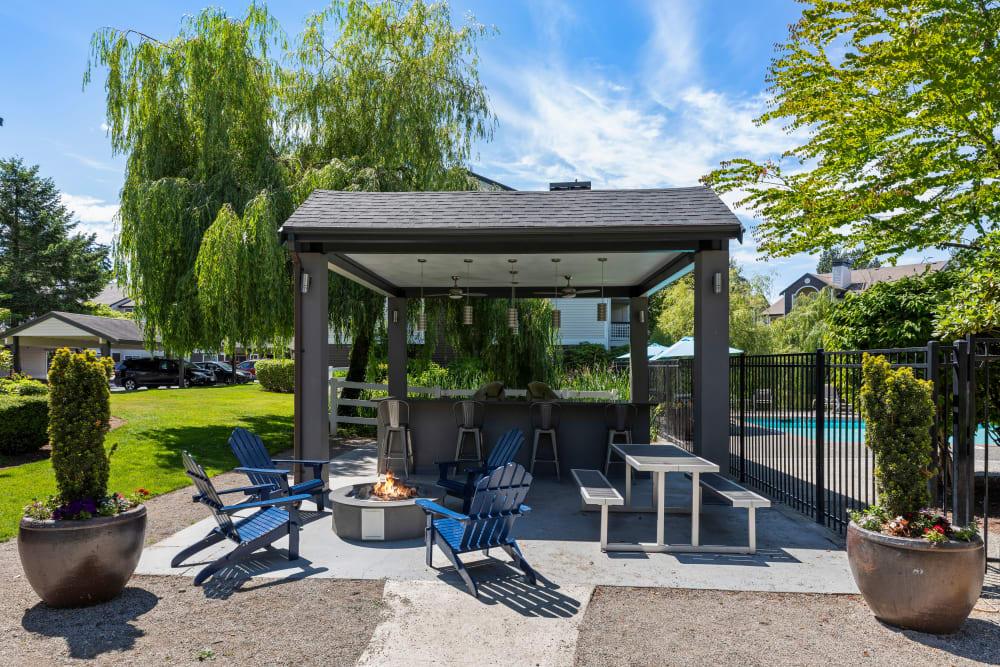 Fire Pit BBQ Lounge