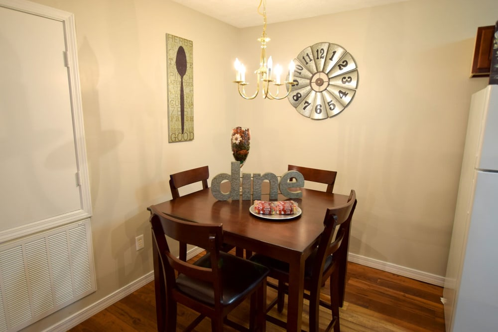 Resident dining room at Midsouth 301 in Jackson, Mississippi.