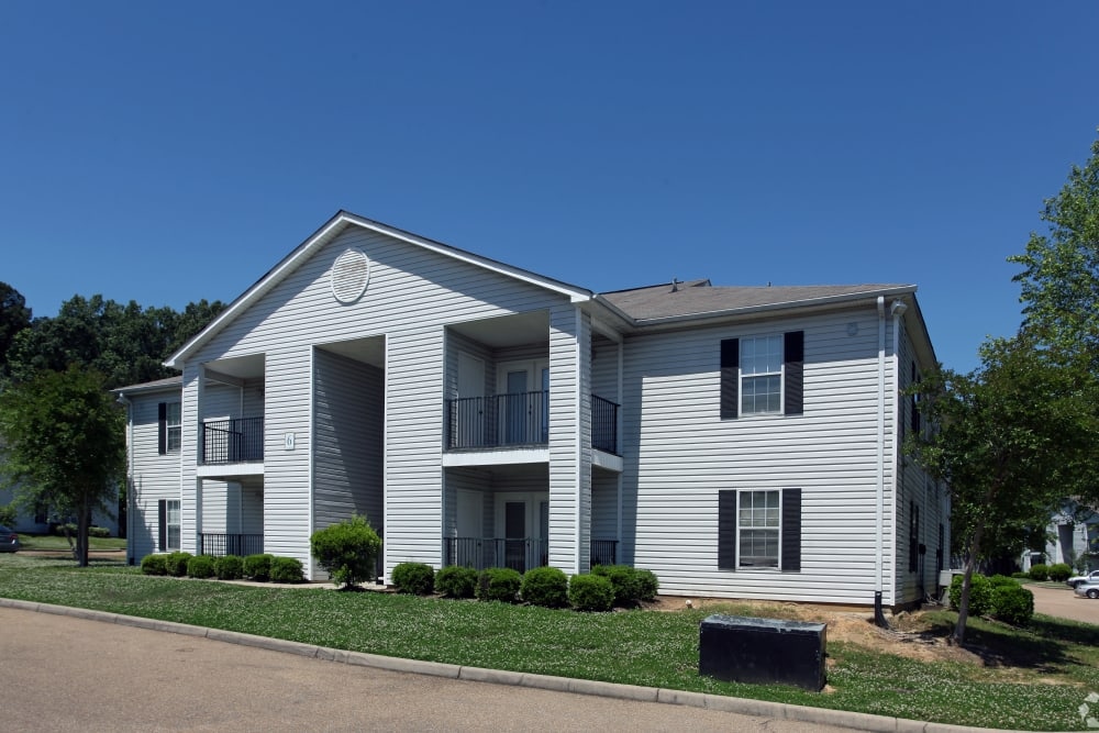 Exterior of apartment building at Midsouth 301 in Jackson, Mississippi.