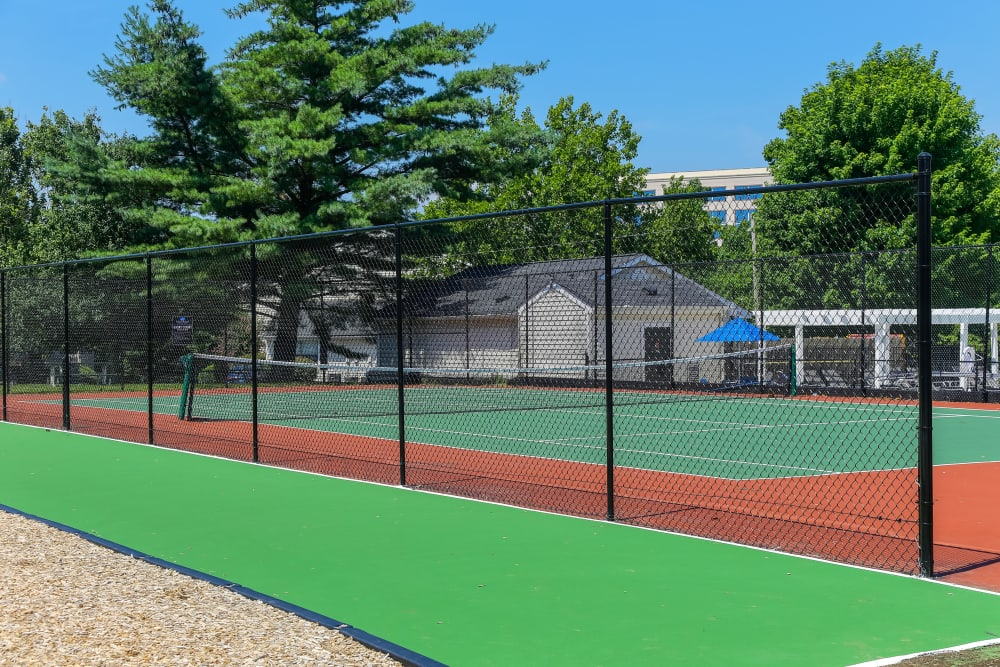 Enjoy Apartments with a Tennis Court at Sheffield Heights Apartment Homes