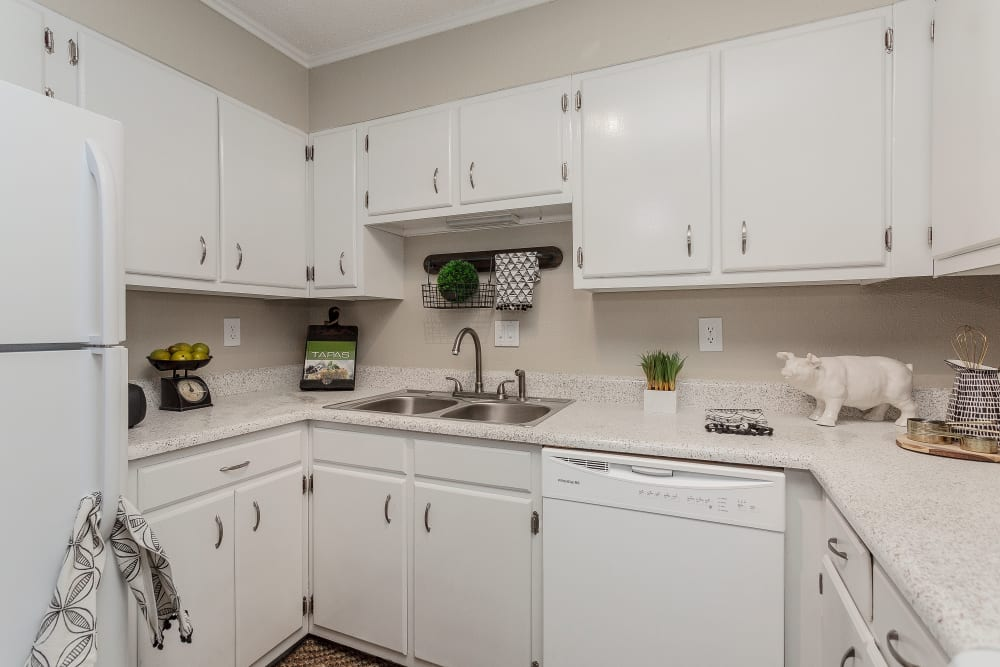 Kitchen at Sheffield Heights Apartment Homes in Nashville, Tennessee