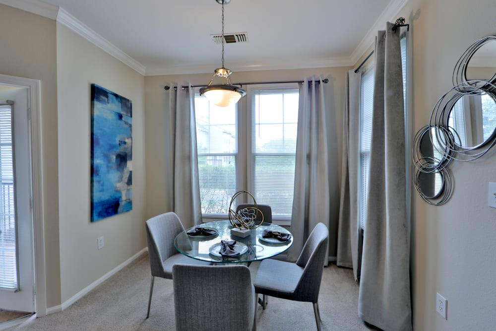 Dining Area at The Village at Potomac Falls Apartment Homes in Sterling, VA