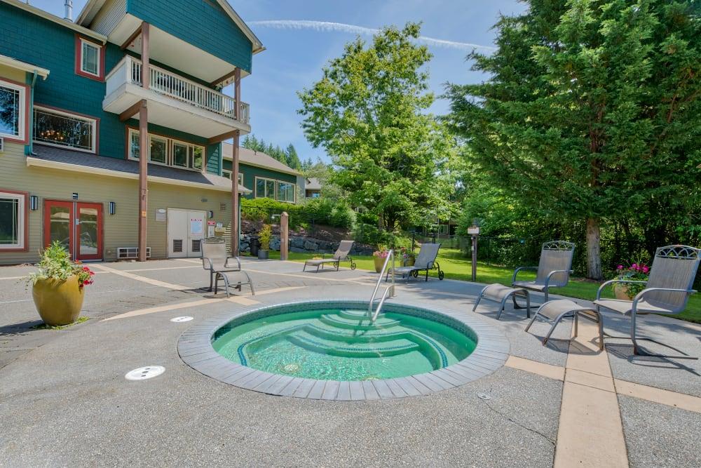 Hot tub at Aravia Apartments in Tacoma, Washington