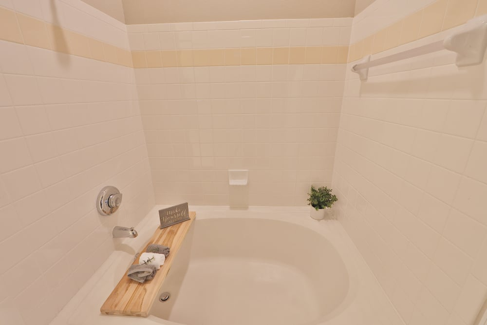The Village at Potomac Falls Apartment Homes offers Apartments with a Bathtub in Sterling, Virginia