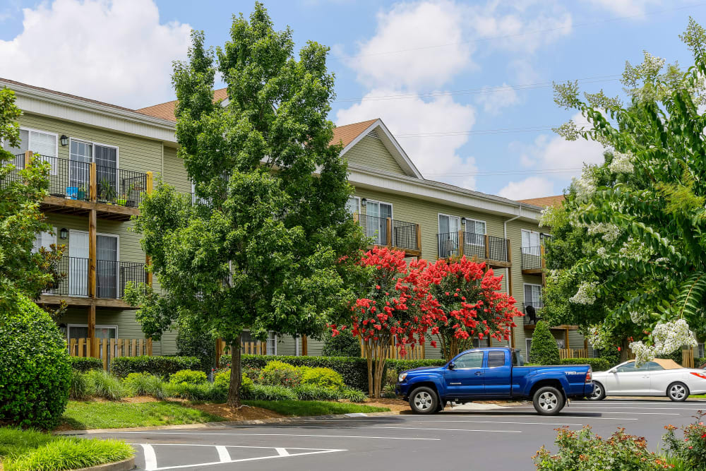 Exterior of Jackson Grove Apartment Homes in Hermitage, TN