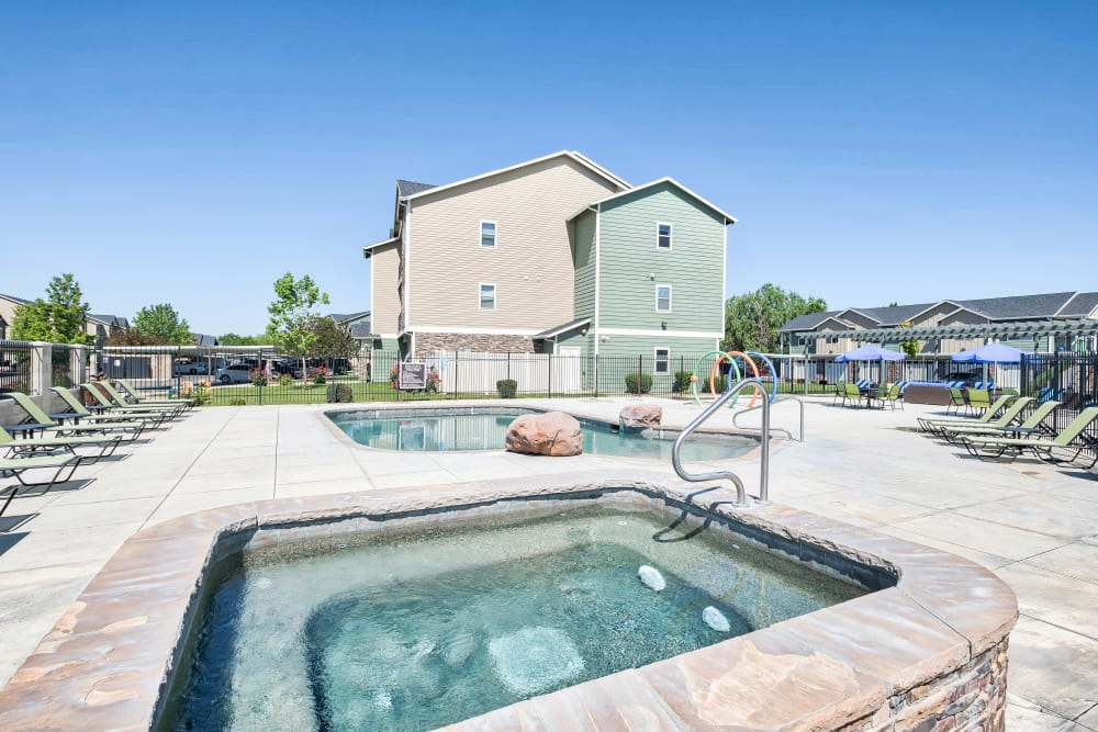 Selway Apartments offers a Hot Tub in Meridian, Idaho