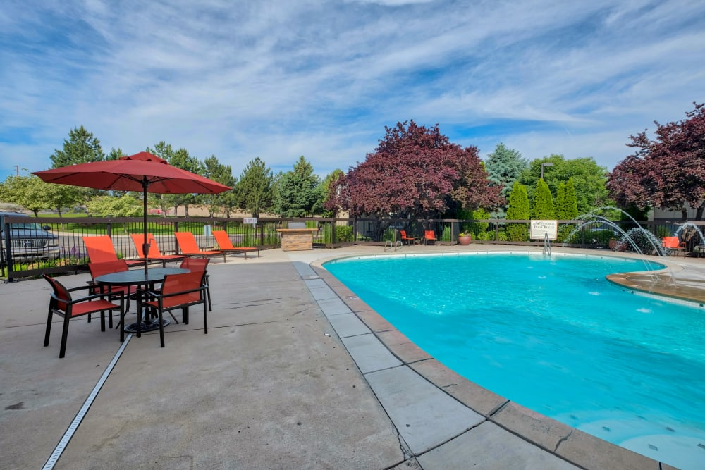 Enjoy Apartments with a Swimming Pool at Monterra Townhomes