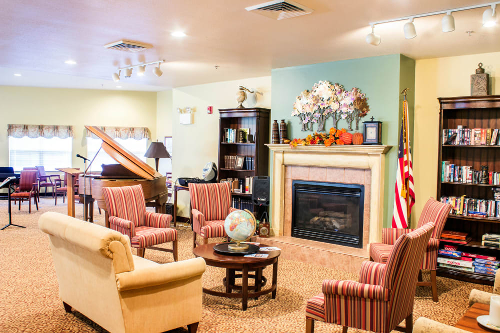 Fireside seating for residents at Rivercrest Place in Paducah, Kentucky
