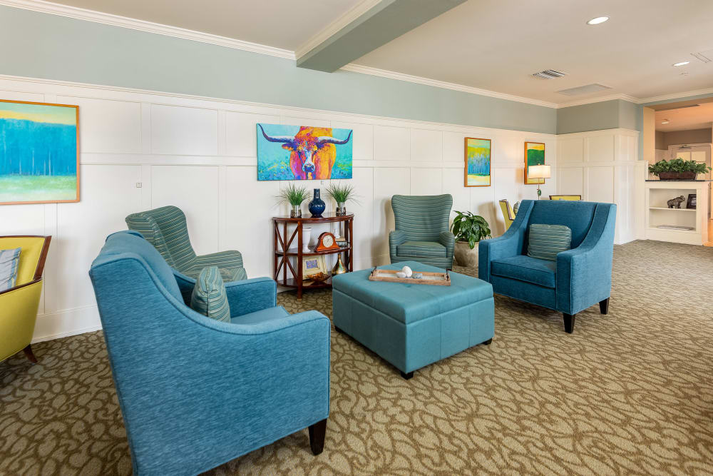 seating area at Prestonwood Court in Plano, Texas