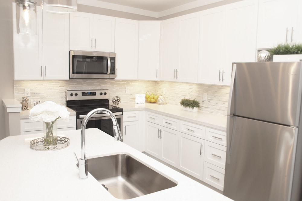 Enjoy our Apartments that are Great for entertaining with a Kitchen at Element Oakwood