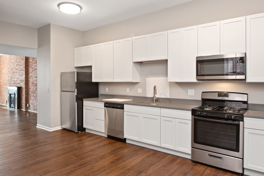 Fully equipped model kitchen at Live on 4th in Cincinnati, Ohio