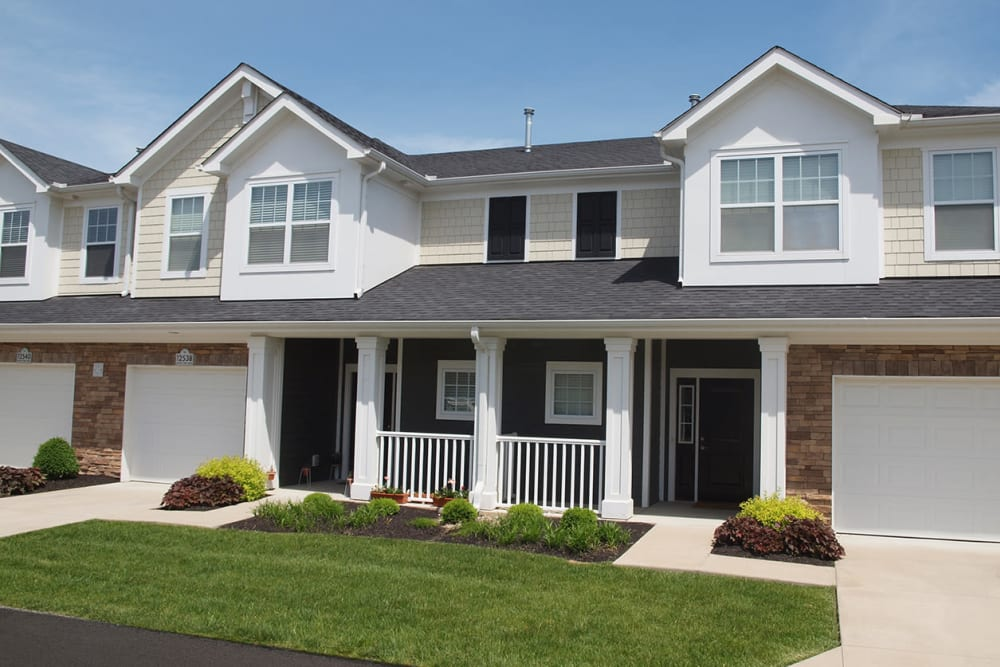 exterior view of buildings at Greyson on 27 in Nicholasville, Kentucky