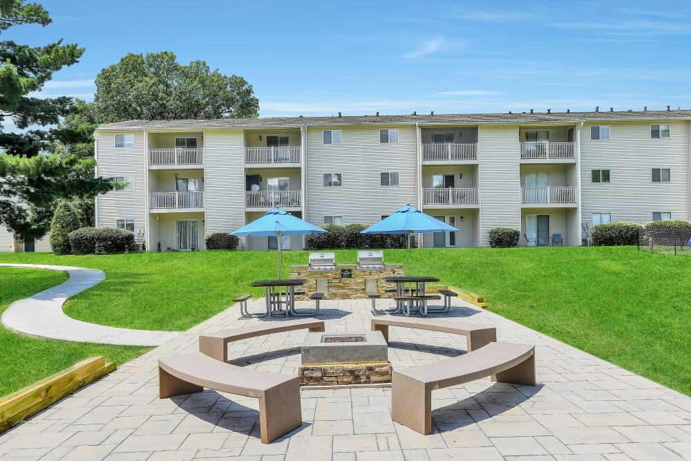 Our Apartments in Nashville, Tennessee offer an Outdoor BBQ Area