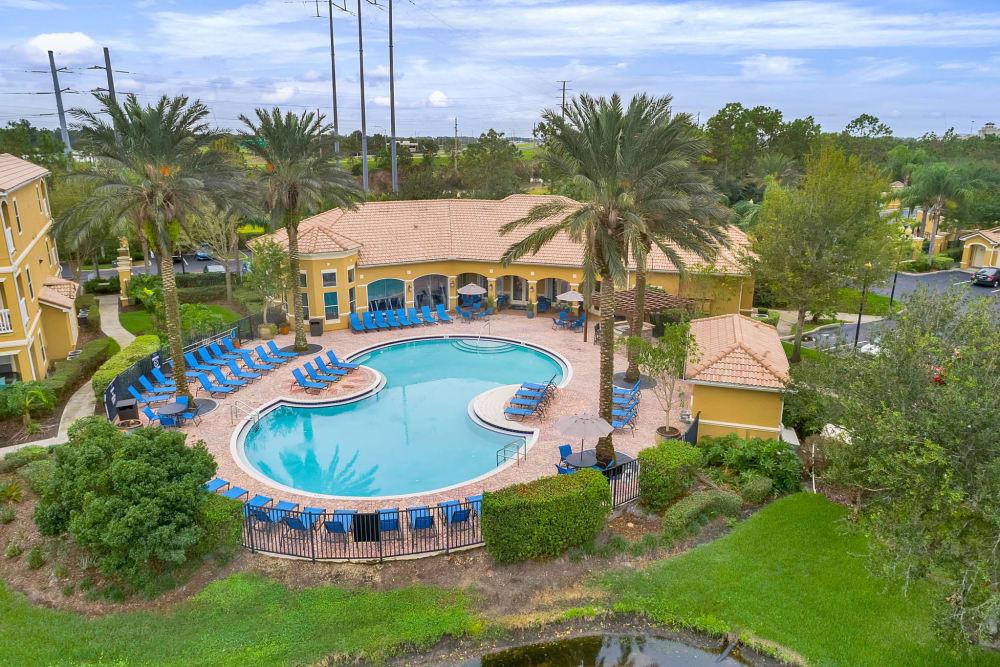Palms at World Gateway's resort-style swimming pool in Orlando, Florida
