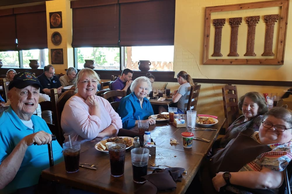 Residents having a meal at Parsons House Frisco in Frisco, Texas