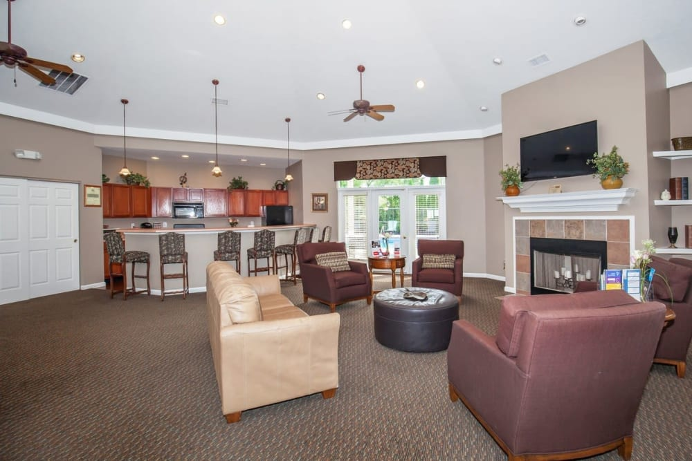 Community lounge at Echo Ridge Apartments in Indianapolis, Indiana