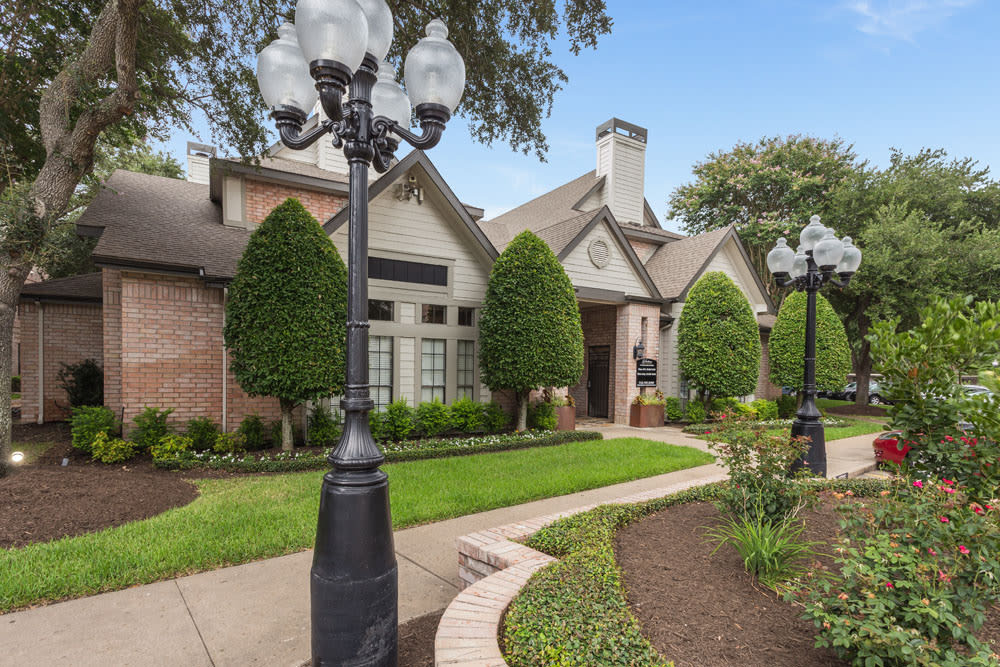 Exterior view at Greenbriar Park in Houston, Texas