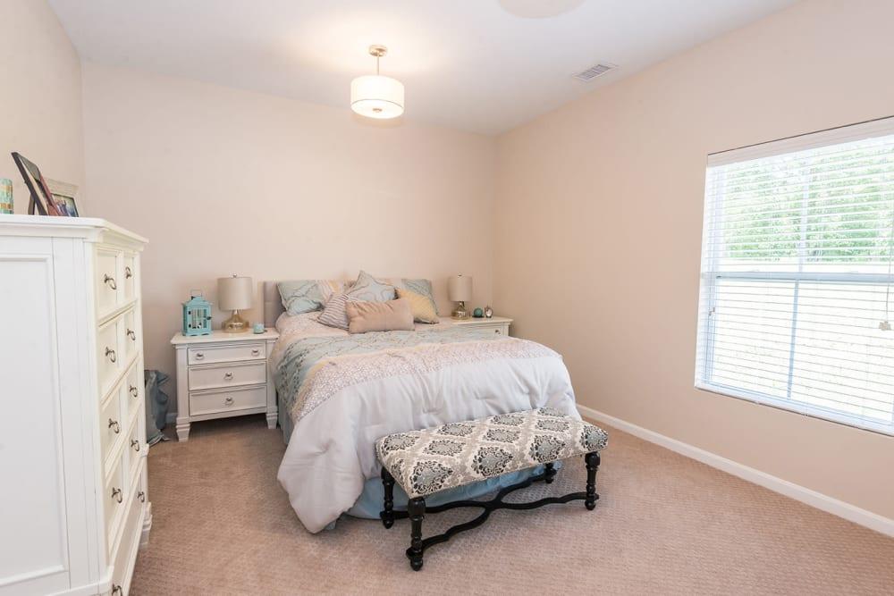 bedroom in one bedroom town house