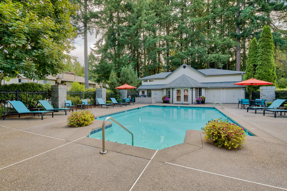 Enjoy Apartments with a Swimming Pool at Arbor Square Apartments