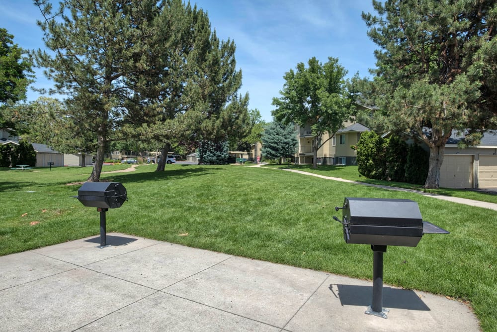 BBQ Area at Arbor Crossing Apartments in Boise, Idaho